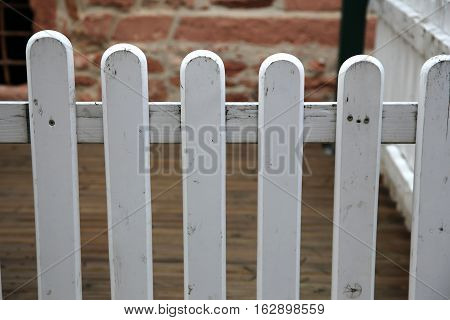 Picket fences / Fence of the fence - the infield fence
