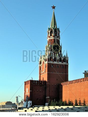 Spasskaya Tower at Moscow Kremlin in early morning
