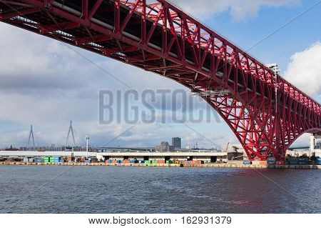Minato Bridge in Osaka, Japan double-deck cantilever truss bridge