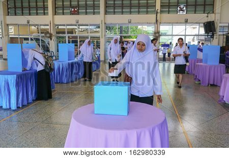 YALA Thailand December 27 2016 : Vote of Student Elections in University in South YALA Thailand.