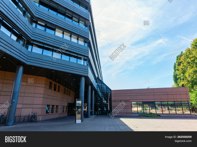 Architecte Bas Rhin hotel du departement image & photo (free trial)   bigstock
