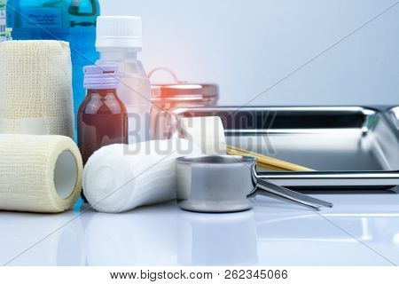 Wound Care Dressing Set And Stainless Steel Plate, Forceps, Iodine Cup, Conform Bandage, Elastic Coh