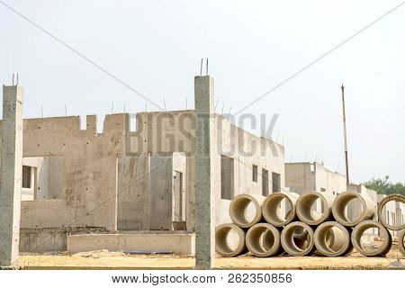 Realestate Sites Construction Housing Working For New Home Town