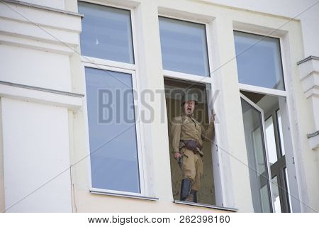 Belarus, Gomel. May 9, 2018. Victory Day. Historical Reconstruction In 1945, Capture Of The Reichsta