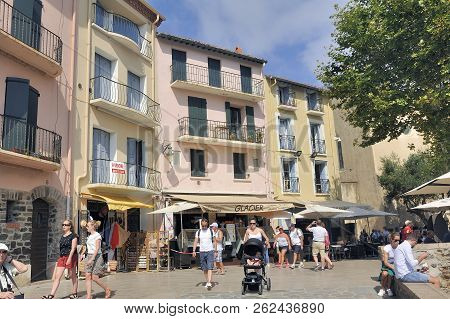 Collioure, France - September 5, 2018: Collioure Very Lively Summer With Tourists Come To Enjoy This