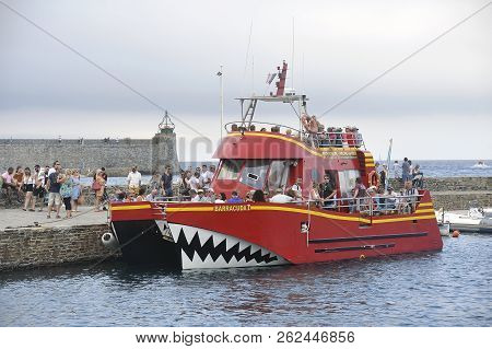Collioure, France - September 5, 2018: Collioure The Barracuda Boardwalk Boat With Underwater Vision