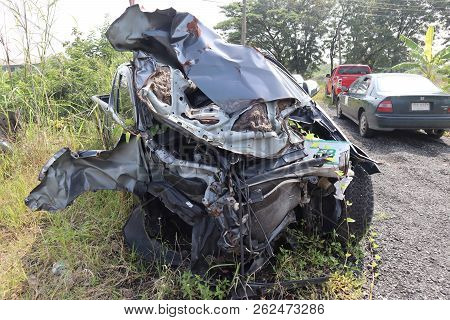 Ayuthaya ,thailand,9 Oct 2018,gray Car Wreck That Has Suffered Major Damage. Parking Is A Material W