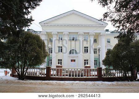 Architectural Column Architecture Building Exterior Built Structure Day Education Entrance Façade Gr