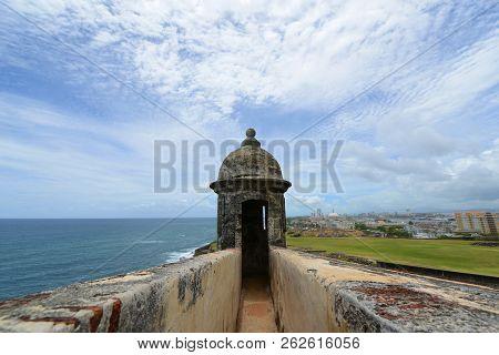 Castillo San Felipe Del Morro El Morro Sentry Box, San Juan, Puerto Rico. Castillo San Felipe Del Mo