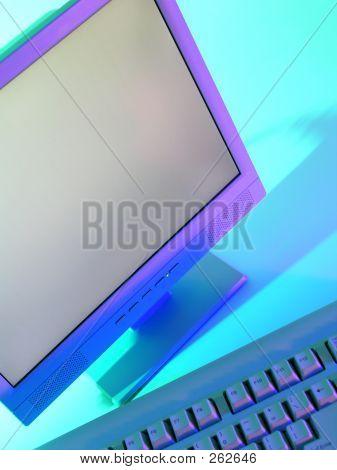 Computer-Monitor und Tastatur