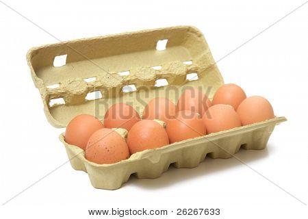 huevos marrones en caja
