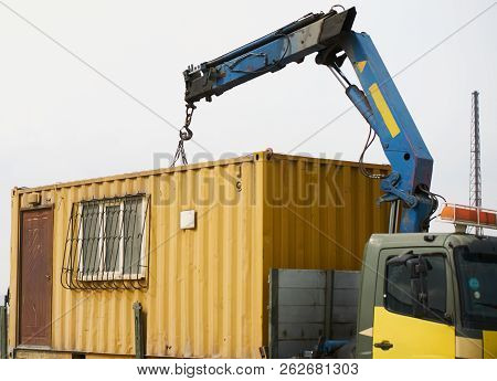 Crane Truck Unloading Portable Workers House Container Booth