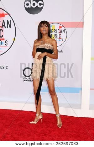 LOS ANGELES - OCT 9:  Zuri Hall at the 2018 American Music Awards at the Microsoft Theater on October 9, 2018 in Los Angeles, CA