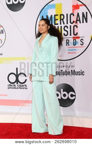 LOS ANGELES - OCT 9:  Ella Mai at the 2018 American Music Awards at the Microsoft Theater on October 9, 2018 in Los Angeles, CA