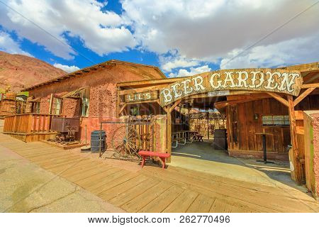 Calico, Ca, Usa - August 15, 2018: Lils Saloon Beer Garden In Main Street Of Cowboy Theme Park, Yerm