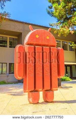 Mountain View, Ca, United States - August 13, 2018: Android Kitkat Statue At Googles Merchandise Sto