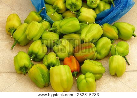 Fresh Bell Pepper, Fresh Bell Pepper, Freshly Picked From The Market,