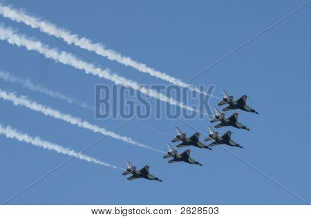 Thunderbirds, F16 Jets