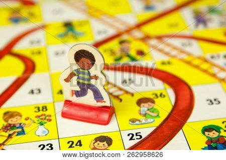 1980S Board Games - Chutes And Ladders