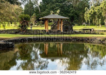 Usa Parks Pond Bridges Liliuokalani Park. Kauhiula Hawaii.