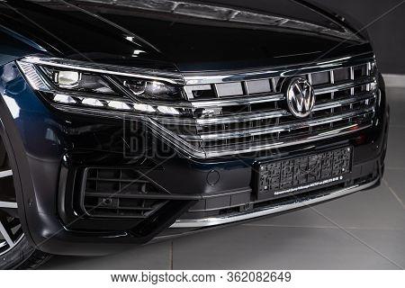Novosibirsk/ Russia - March 09 2020: Volkswagen Touareg, Close-up Of The Headlight, Bumper, Wheel, L