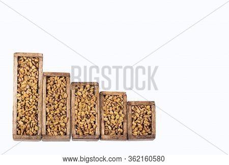 Fenugreek Seeds. Trigonella Foenum-graecum. Fenugreek Consumption And Sale Statistics