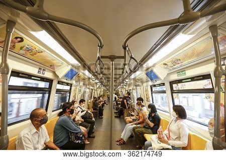 Rail Department Strictly Requires All Rail Passengers To Wear Face Masks And Leave Sufficient Space