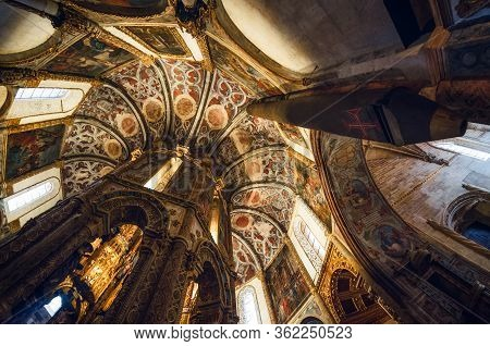 Tomar, Portugal - January 31, 2019: The Late Gothic Manueline Decorated Round Church Of The Convent