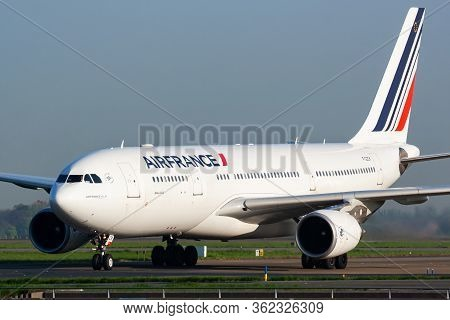 Paris / France - April 24, 2015: Air France Airbus A330-200 F-gzck Passenger Plane Arrival And Landi