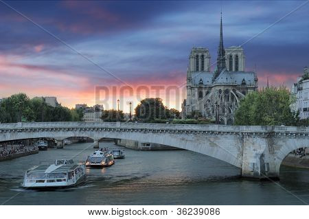 Pont De La Tournelle.