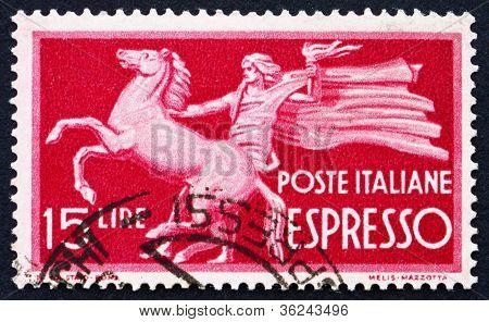 Estampilla Italia 1947 cría caballos y portador de la antorcha