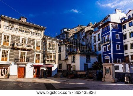Luarca, Spain  - 06 October 2016: Paseo Del Muelle In Luarca, Asturias, Spain.