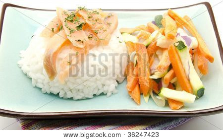 White rice with vegetable crudites