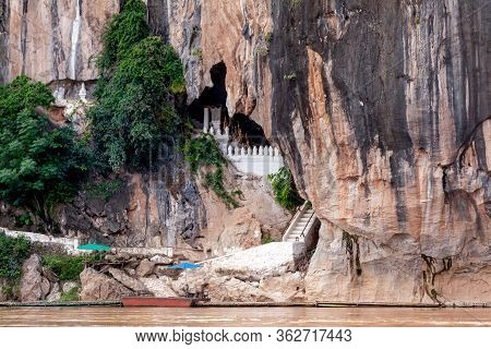 Tham Ting Cave Or Pak Ou Caves   The Famous Caves In  Luang Prabang  Laos