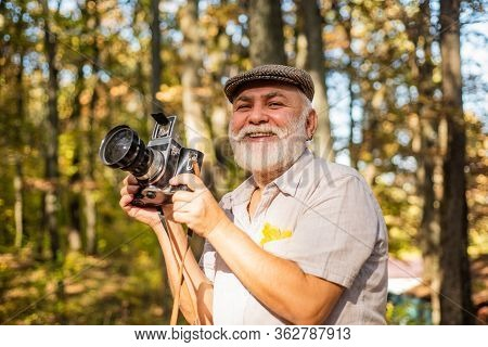Professional Photographer. Pension Hobby. Experienced And Qualified Photographer. Manual Settings. O