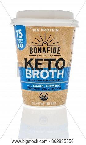 Winneconne,  Wi - 23 April 2020:  A Bottle Of Bonafide Provisions Keto Broth Organic Chicken Bone Br