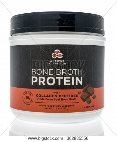 Winneconne,  Wi - 23 April 2020:  A Bottle Of Ancient Nutrition Bone Broth Protein With Collagen Pep