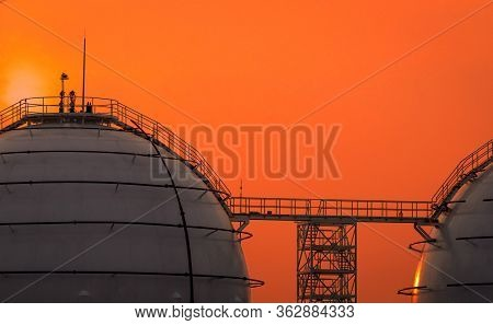 Industrial Gas Storage Tank. Lng Or Liquefied Natural Gas Storage Tank. Spherical Gas Tank In Petrol