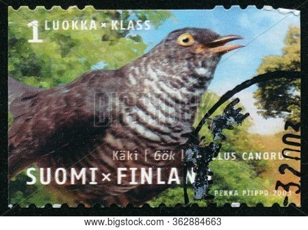 Vintage Stamp Printed In Finland 2003 Show Bird