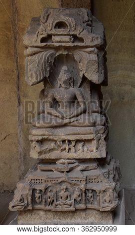 Gwalior, Madhya Pradesh/india - March 15, 2020 : Sculpture Of Jain Tirthankar