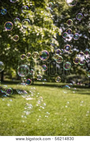 Drifting Bubbles