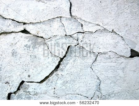 wall with cracks