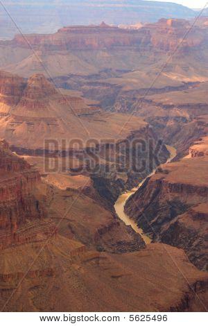 Colorado Rivier Winding Through the Grand Canyon
