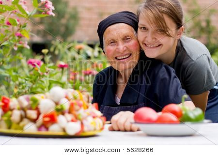 eine ältere Frau besuchen