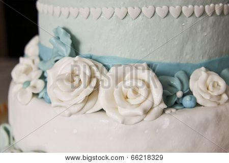Wedding Cake With Roses