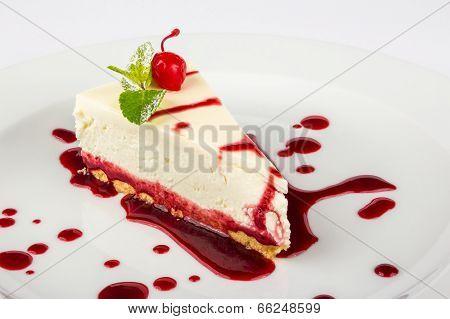Classic Cheesecake In A Raspberry