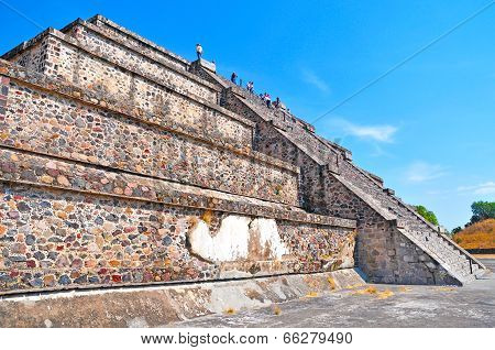 Platform along Avenue of the Dead, Teotihuacan, Mexico