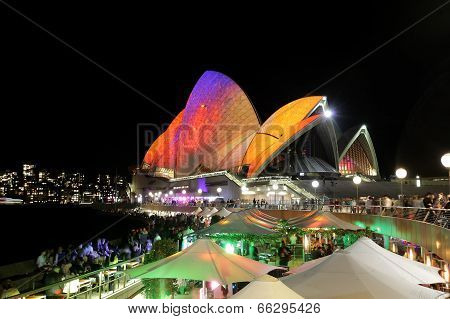 Crowds Of Locals And Tourists Enjoy Sydney Opera House Vivid Sydney