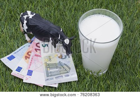 Cow, mild, money and gras