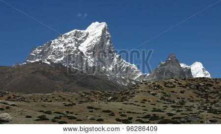 Cholatse, High Mountain